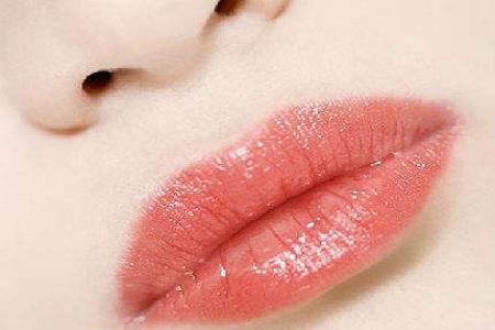 北京玻尿酸豐唇能維持多久
